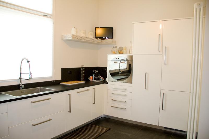 Mensole per cucina moderna cool with mensole per cucina - Mensole per cucine ...