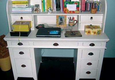 scrivania in legno di frassino invecchiato
